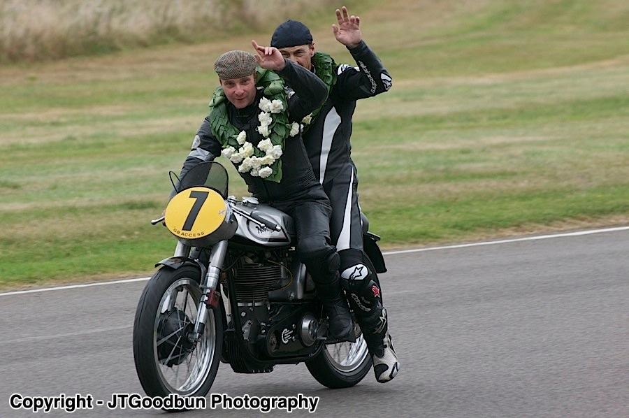 Duncan Fitchett & Jeremy McWilliams - 1952 Norton Manx