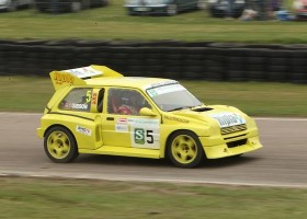 Gibson Wins Close Retro Rallycross Encounter at Lydden Hill