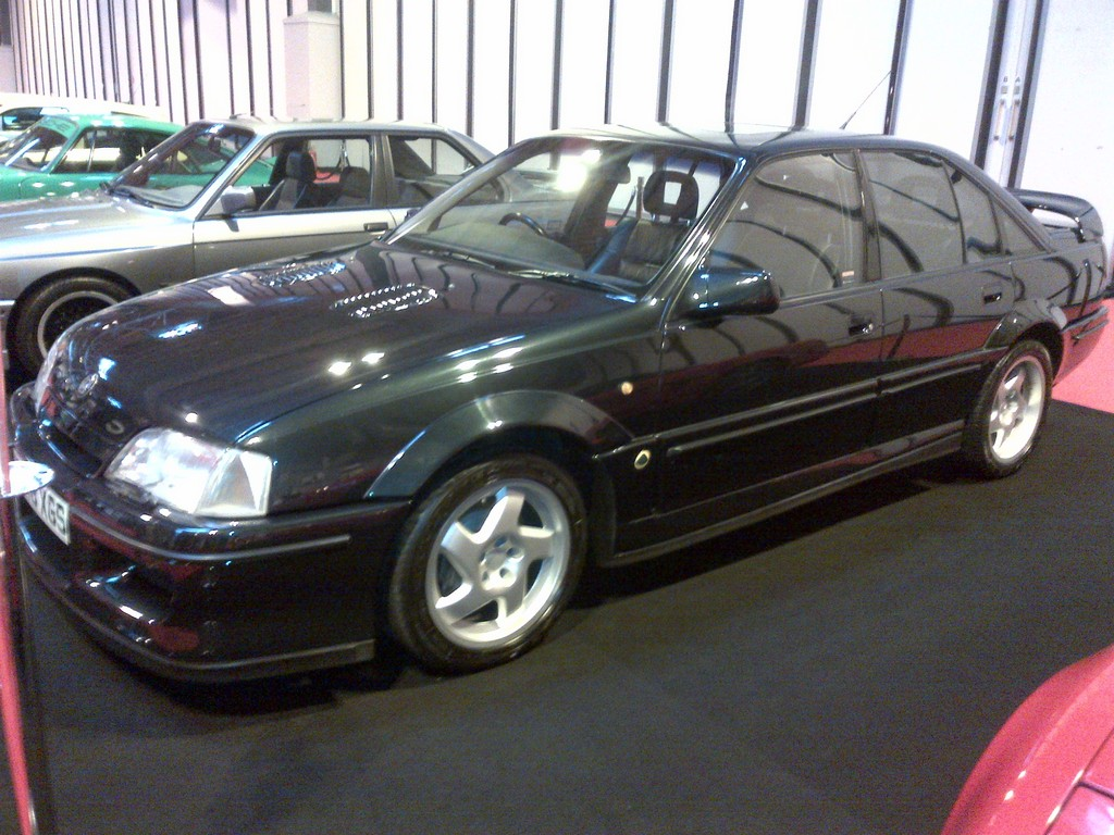 the lotus carlton the fastest four door saloon car. Black Bedroom Furniture Sets. Home Design Ideas