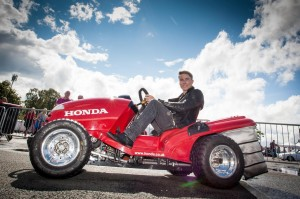 Honda and James Toseland thrill crowds at CarFest North