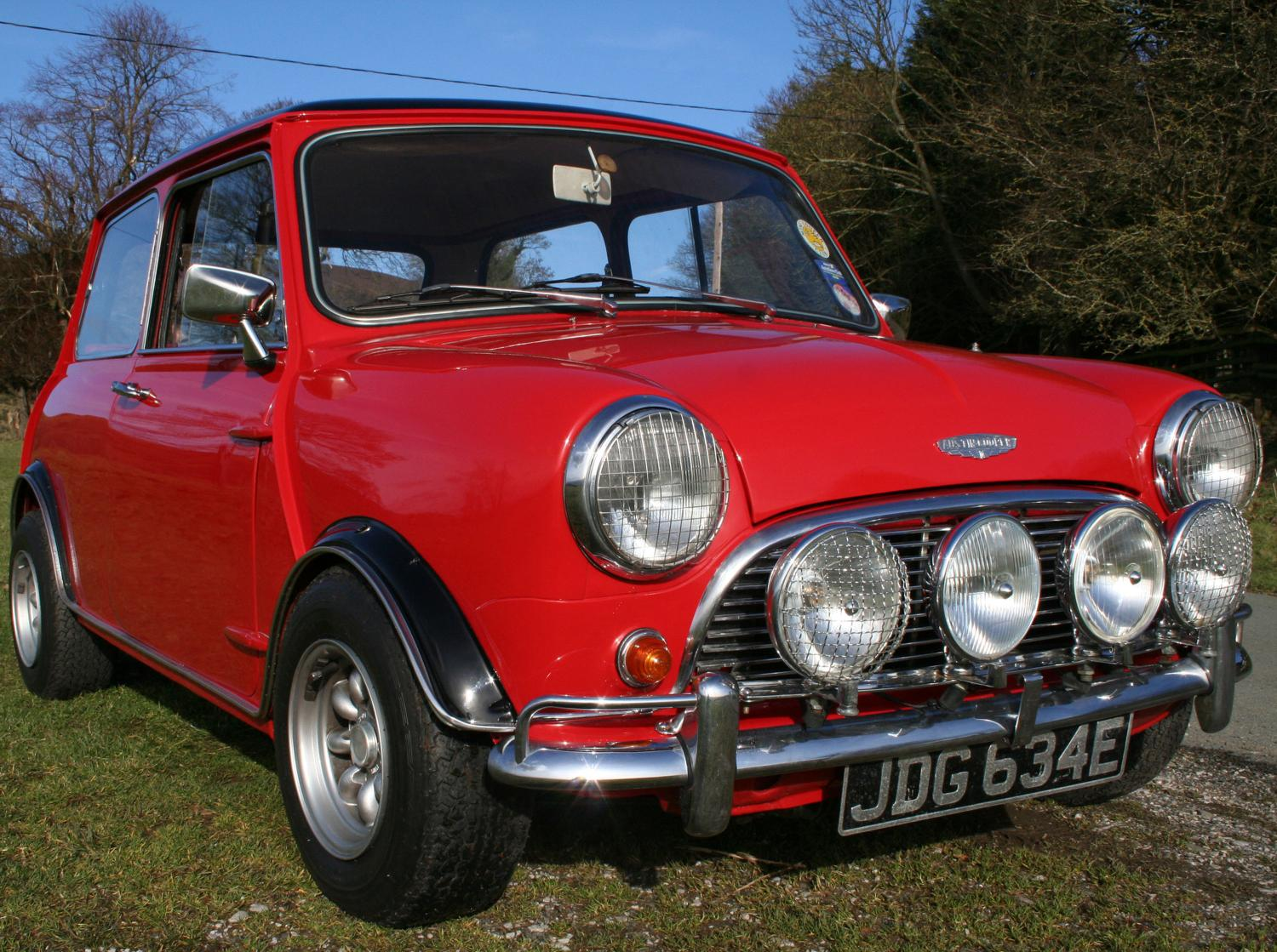 A Merry Mini Christmas At Barons\' Yuletide Classic | Classic Car ...
