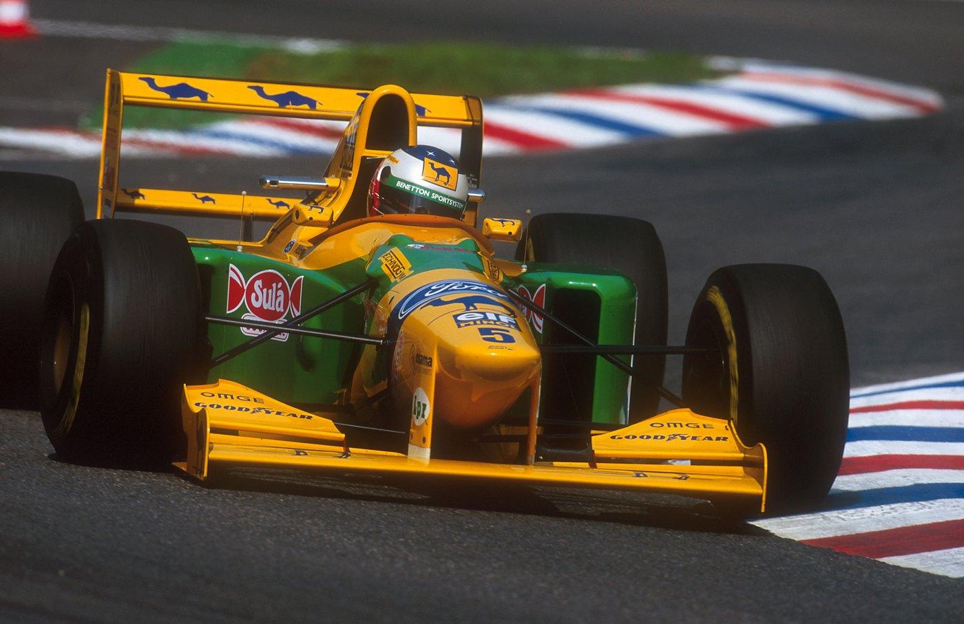 Michael Schumacher, ex-piloto de Formula 1 em 1993, by classiccarmag.net