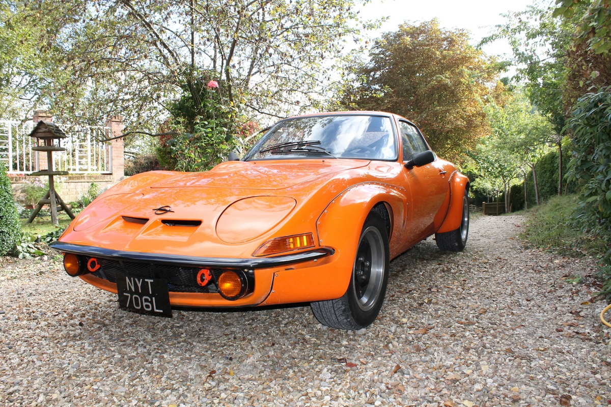 88 classic cars offered at first ever CCA sale | Classic Car ...