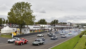 Andrew Smith's AC Cobra leads the RAC TT Celebration Race start