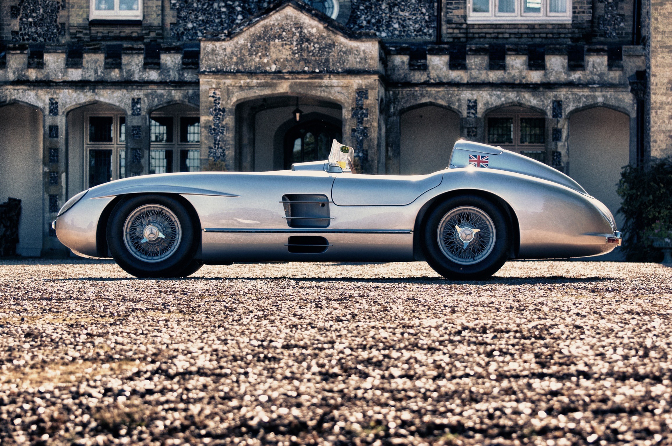 Mercedes 300 slr recreation headlines classic race auction for Mercedes benz 300 slr