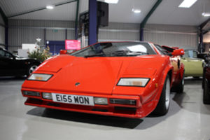 A 2014 Lamborghini Countach 5000 QV replica Mirage sold for an amazing £57,200, nearly £30,000 over its lower estimate.