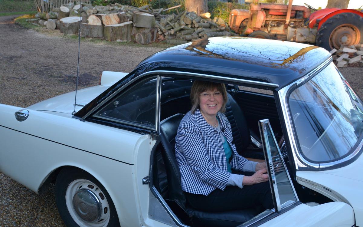 sunbeam alpine a lost star returns classic car. Black Bedroom Furniture Sets. Home Design Ideas