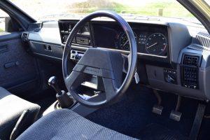 Vauxhall Carlton 2.0L interior