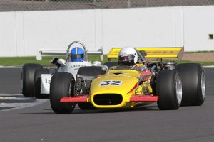Adam Simmonds (Lola T142) leads Chris Willie (Chevron B29)