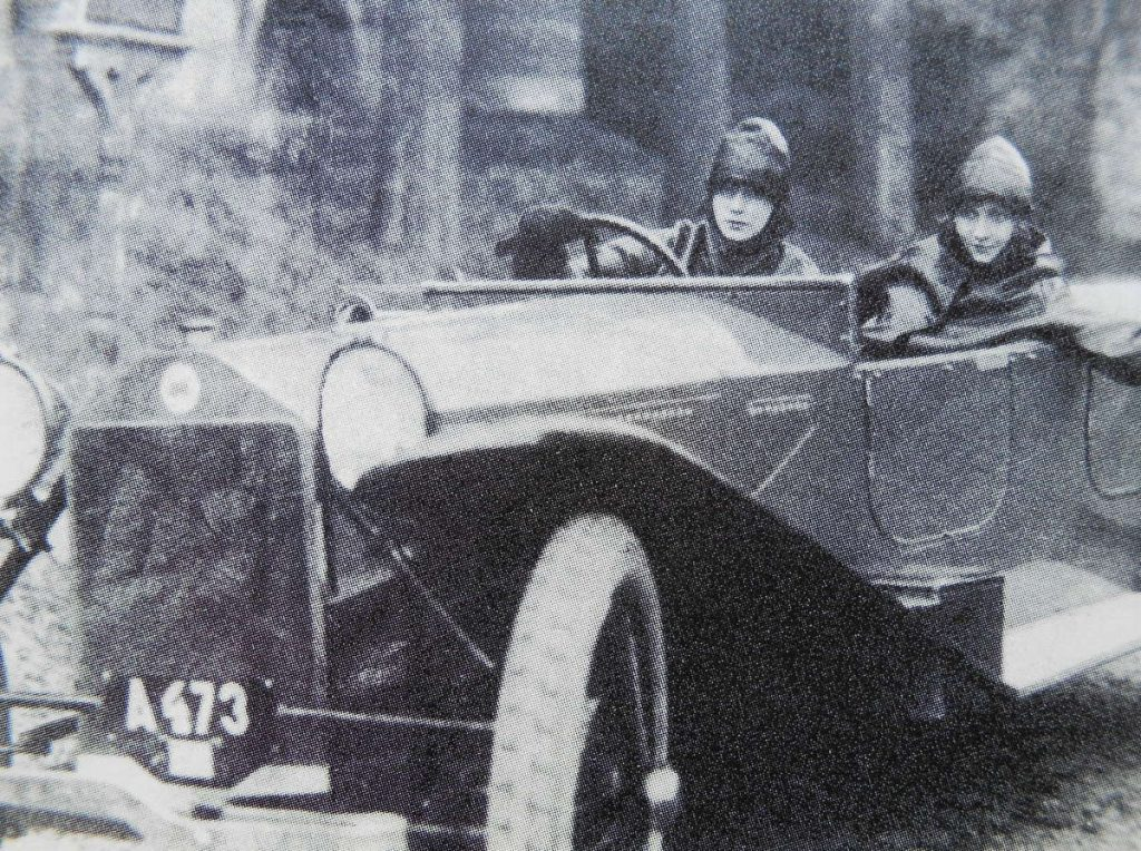 Greta Garbo appeared in a Lancia Lambda advert with her friend Vera Schmiterlöw in 1924