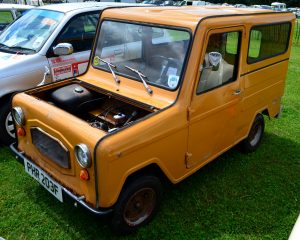 It's a micro-carvan from FranceItaly the anyone can drive; slowly