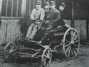 The Petter 1896 'Dogcart' with twins Ernest and Percy seated at the rear